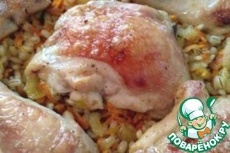 Рецепт: Перловка с курицей в духовке Удивительная