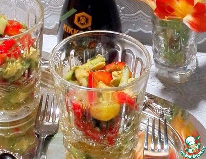 Рецепт: Салат с авокадо и курицей