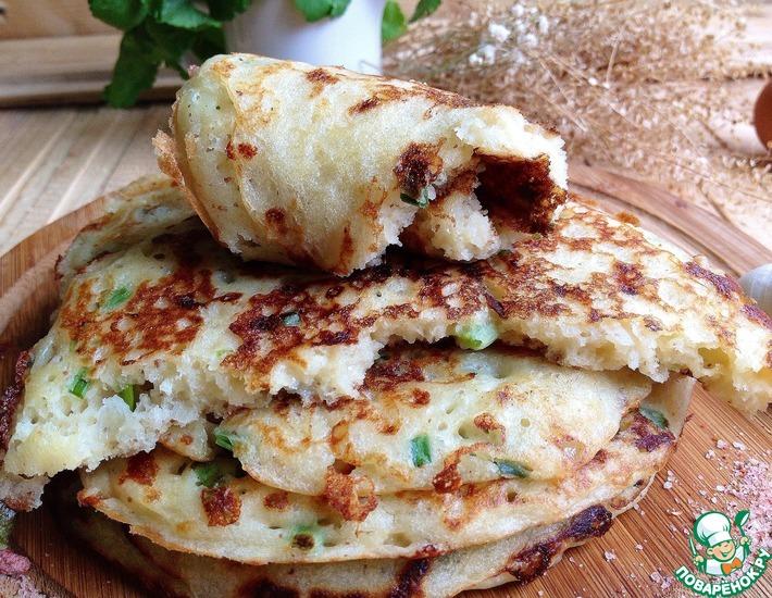 Рецепт: Блины с сыром и зеленым луком