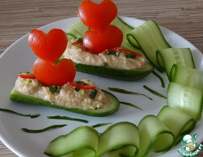 Рецепт: Закусочные лодочки Алые паруса