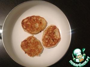 In skillet, heat vegetable oil and bake pancakes.