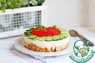 Рецепт: Блинный торт с авокадо и тунцом