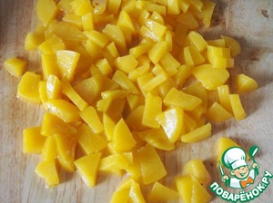 Canned peaches cut into small pieces. Several whole peaches, leave for decoration.