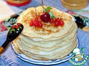 7. Подогрейте немного мед, чтобы он легко мазался. И подавайте теплые блины с медом.