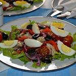Салат со скумбрией а-ля Нисуаз
