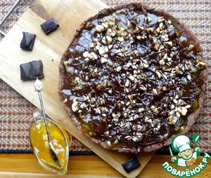 Before serving, sprinkle with crushed hazelnuts and melted chocolate.