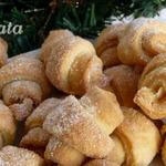 Сахарно-ореховые мини-рогалики