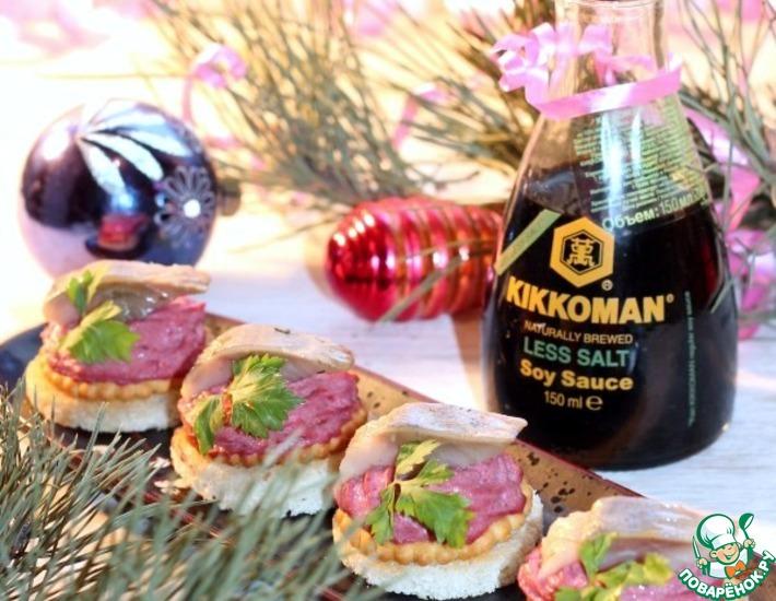 Рецепт: Чесночные гренки с брокколи и свеклой