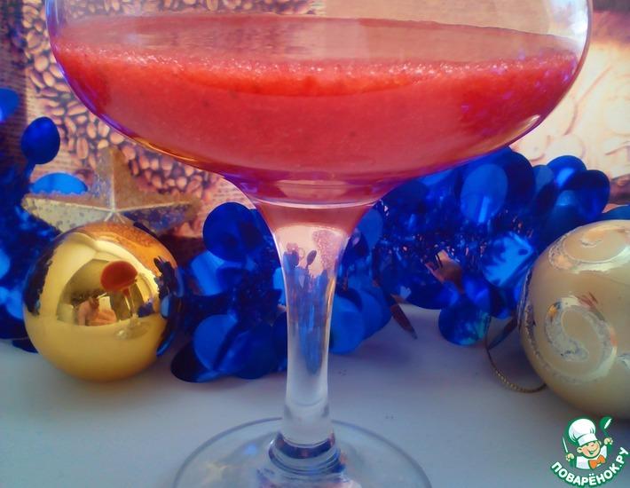 Рецепт: Клубничный коктейль Кровавая Мэри