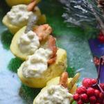 Салат а-ля Оливье в картофельных бочонках