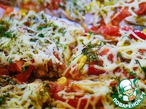 Наслаждаемся сытной сочной ароматной пиццой. Подавать горячей!