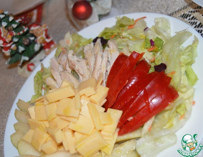 Рецепт: Салат с грушей, сыром и курицей