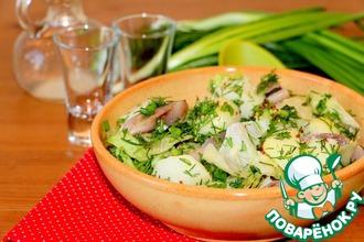 Рецепт: Картофельный салат с сельдью и зеленью