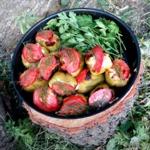 Перец, запеченный с мясом и овощами