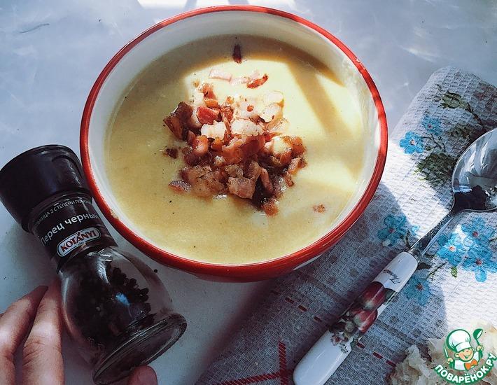 Рецепт: Сырный крем-суп с беконом