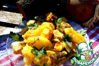 Рецепт: Картофель с рыбой в сметанно-горчичном соусе