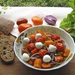 Салат из запеченных помидоров черри