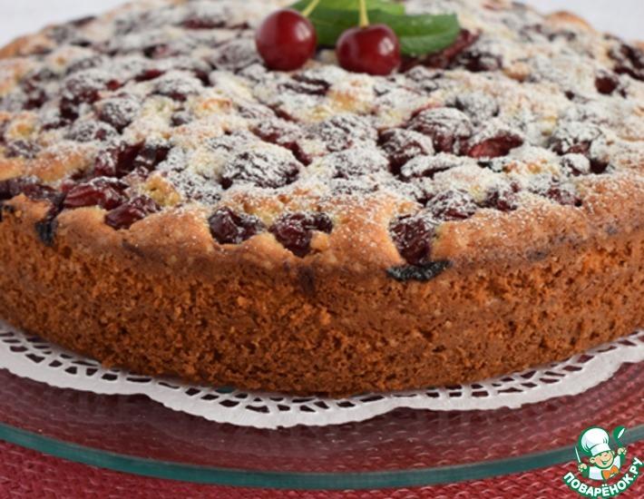 Рецепт: Бисквитный вишневый пирог