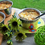Жульен с салями, гречкой и горошком