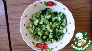 Cucumbers my, cut and send to eggs and potatoes