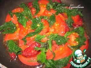 Сверху положить листочки крапивы (я не нарезала), немного посолить, закрыть крышкой и готовить 5 минут.