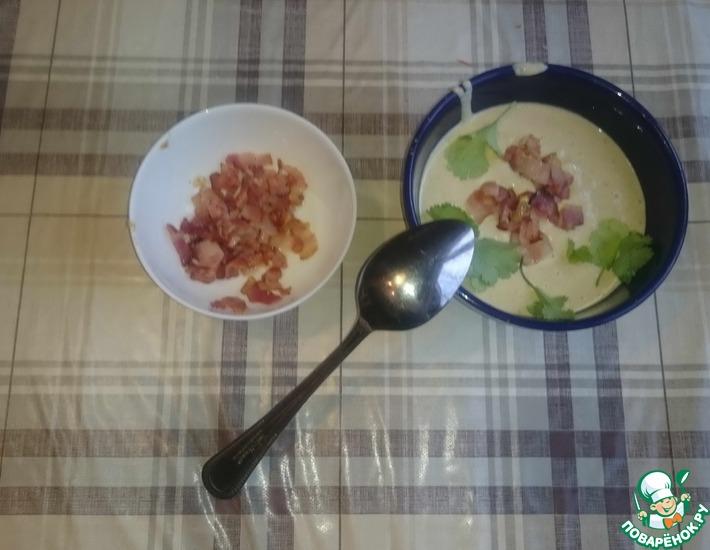 Рецепт: Крем-суп из шампиньонов с беконом