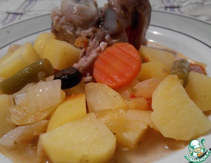 Рецепт: Мясные кости, тушенные с овощами