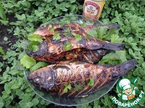Serves gefilte fish, adding parsley.