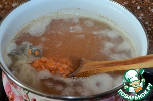 Bring to boil, boil for a few minutes.  Pour the lentils and dry ginger.  Cook for 10 minutes.