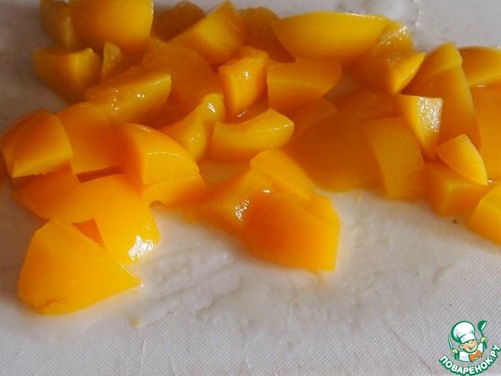Кефирные пирожные с персиками