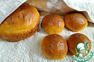 Ready bread to cover with milk and wrap in a towel for 15 minutes.  From this amount of ingredients is small, if you have a large family, increase proportion.