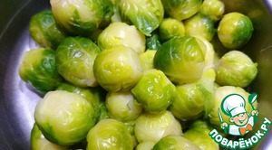 Brussels sprouts should be boiled in boiling salted water for 5 minutes and then drain the water.