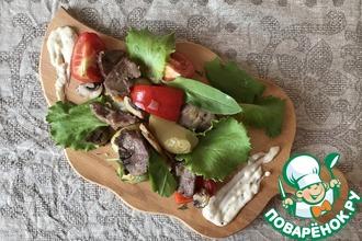 Рецепт: Тёплый салат с языком и картофелем