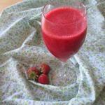 Клубнично-малиновый коктейль Суп из шампанского