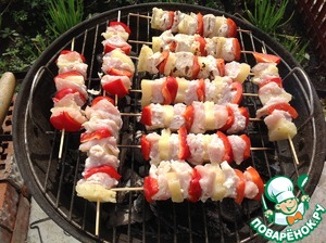 Bake barbecue on the grill until tender, 5 minutes on each side.