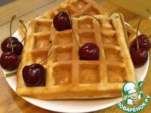 Буквально 4 минуты и наши вафли с пылу с жару готовы! Можно кушать с ягодками...