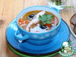 9. Arrange the fish on plates, pour the soup. Put the sour cream, the chopped herbs and serve.   Bon appetit!