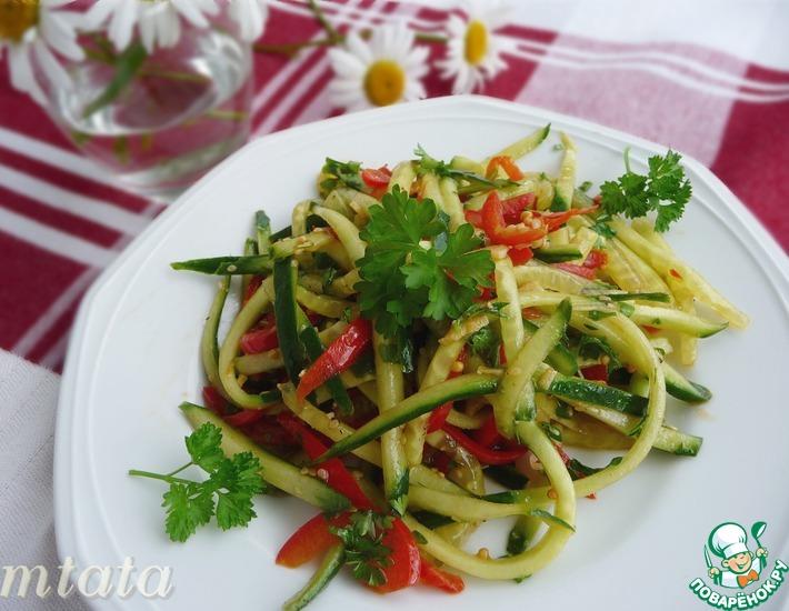 Рецепт: Быстрый салат из свежих огурцов