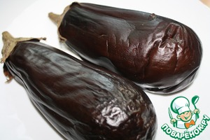We will need baked eggplant.  To do this, prick the eggplant and bake them for 40 minutes at tempo.200 deg.