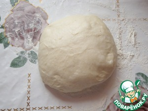 Yeast dough can be rent ready or to prepare them according to your favorite recipe. I, as always, helped bread.