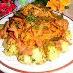 Стрелки чеснока с курицей и овощами