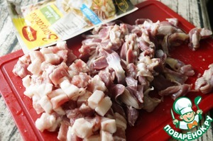 Pork cut into small cubes. Chicken gizzards cleaned from the films and fat. Slice them into strips.