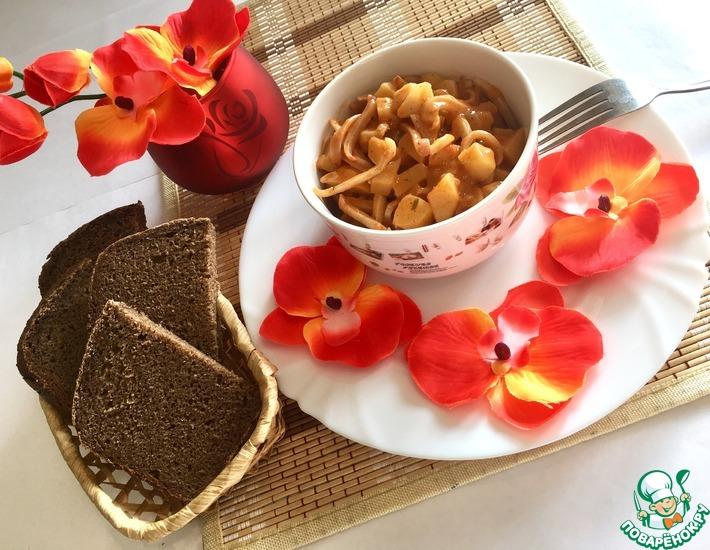 Рецепт: Тушёный картофель с кальмарами