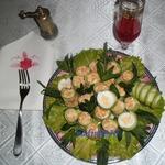Рулетики кабачковые с сельдереем и овощами