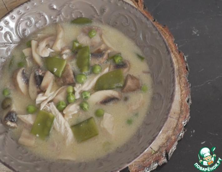 Рецепт: Фрикасе с курицей и горошком