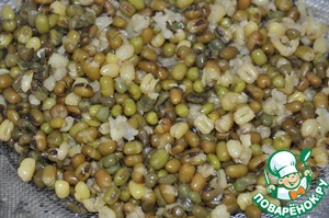Pour beans with water in a ratio of 1 to 5, bring to a boil, cook for 10 minutes on high heat, then low down the heat until minimum and cook for an hour until tender. It seemed to me that even hours long, the beans start to soft after boiling. The finished beans are thrown back on a colander.