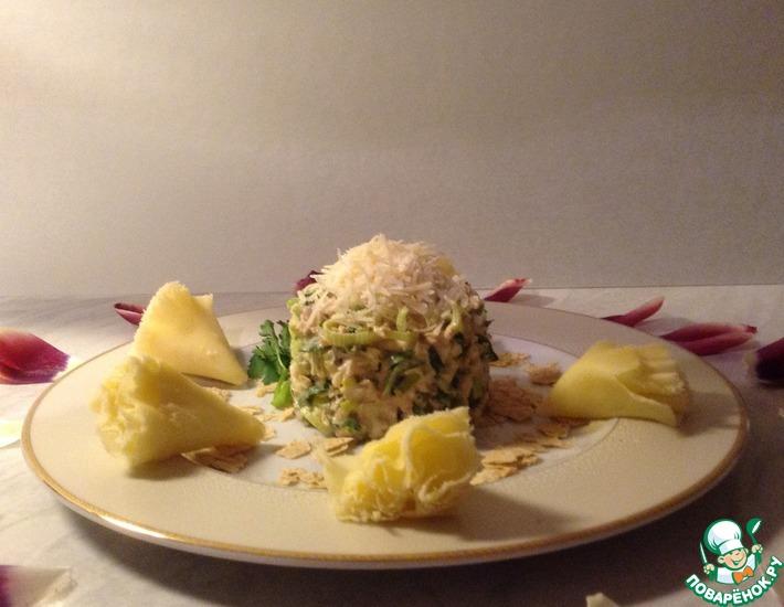 Рецепт: Салат Тунец в полукольцах порея