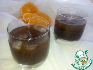 Then mix orange juice with coffee and the resulting syrup. Orange pour coffee into glasses, top to put ice and enjoy the taste.