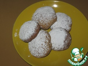 For the sweet tooth you can sprinkle sugar powder  The finished cakes are best kept in containers with covers to remain soft