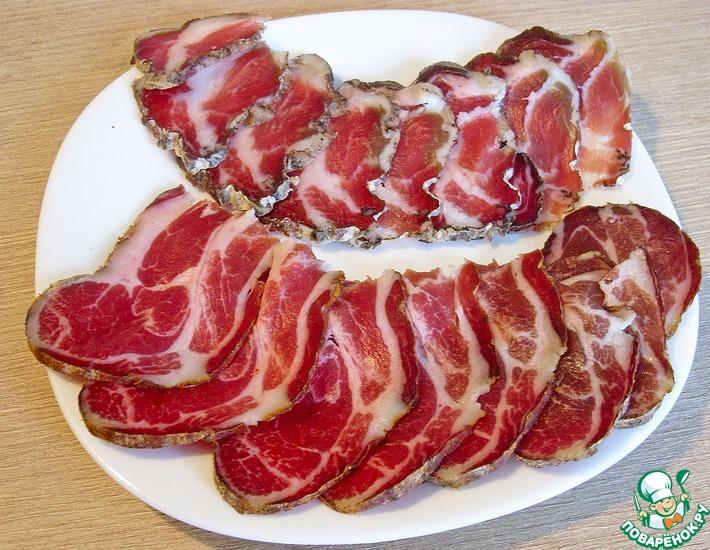 Рецепт: Ветчина сыровяленая из свиной шейки